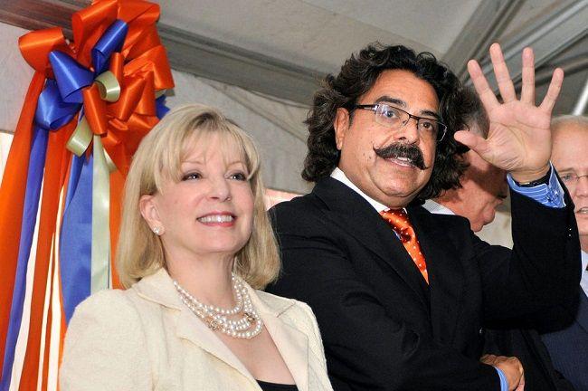 Ann-carlson-Khan-with-her-husband-1