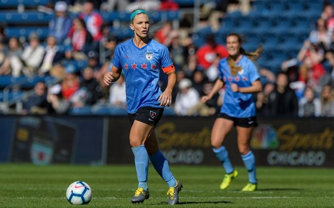 Julie-Ertz-Red-Stars-1