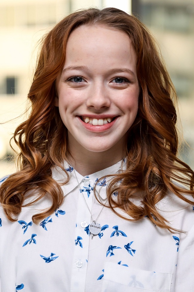 Amybeth-McNulty-teeth