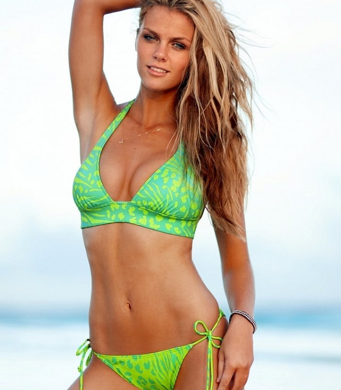 Brooklyn Decker Got Back To The Shape After Giving Birth To The Baby!