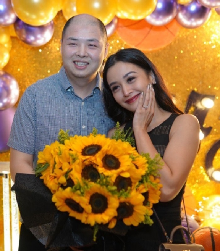 Filipino actress Kris Bernal gets a surprise marriage proposal from boyfriend Perry Choi!