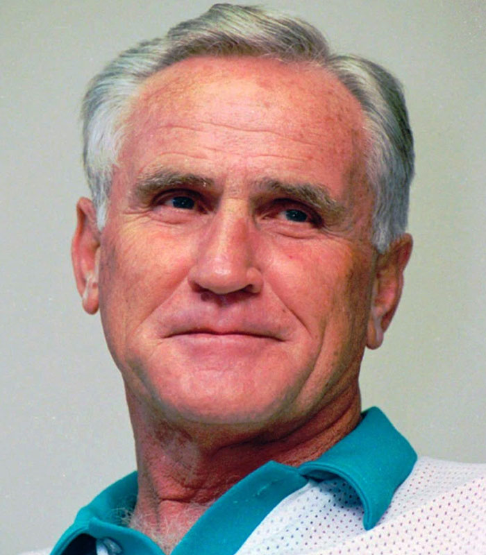 Don Shula, Miami Dolphins NFL coach with the most wins, dies at 90