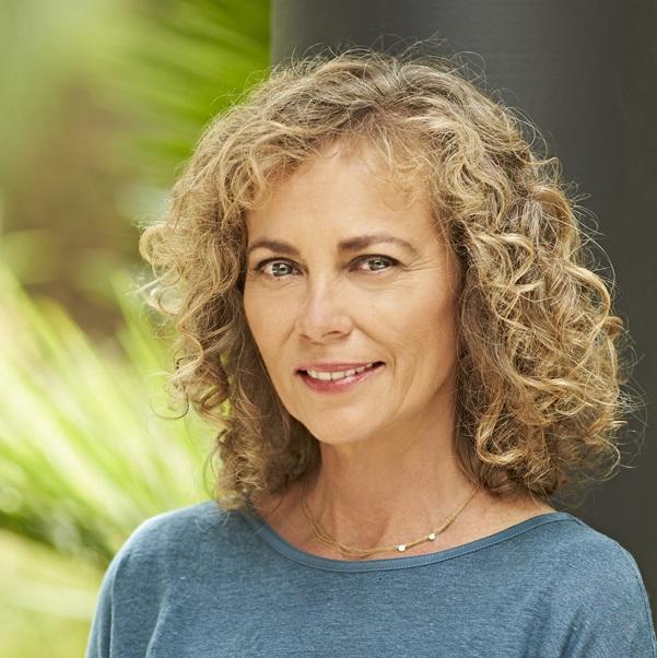 Annie Jones curly hair