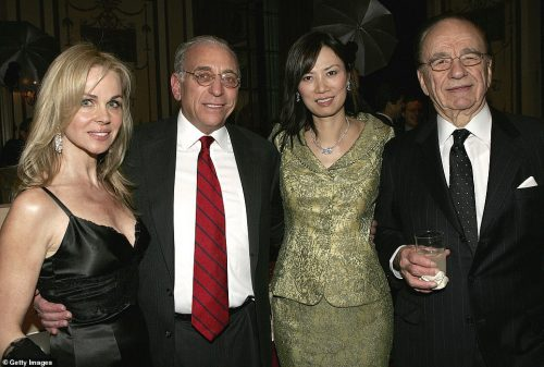 Nicola Peltz parents father Nelson peltz and mother claudia harmmer