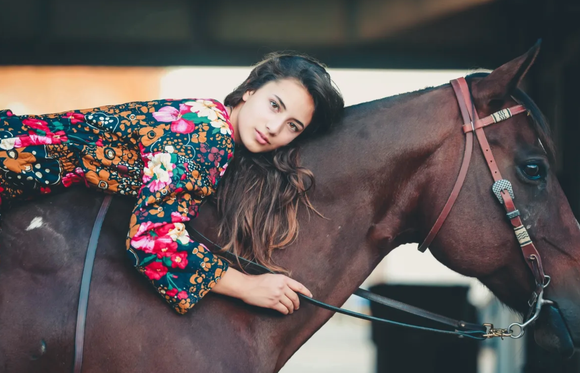 lalania hudson with horse