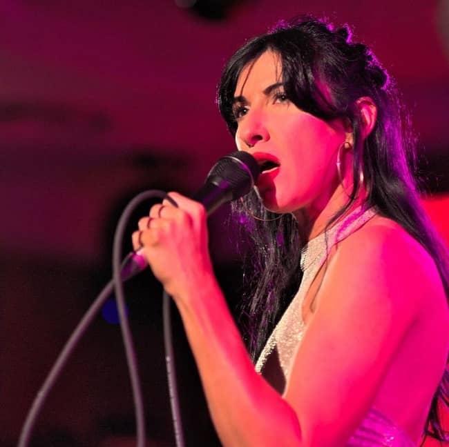 Amanda Blank singing